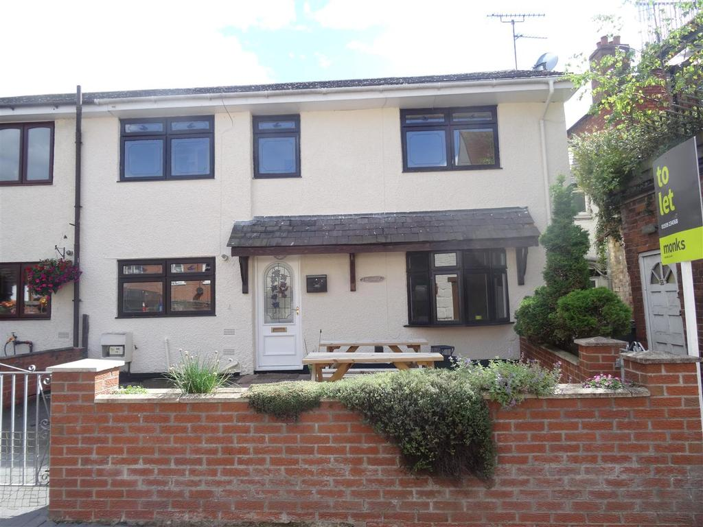 3 Bedrooms Semi Detached House for sale in 2 Homelea, High Street, Wem
