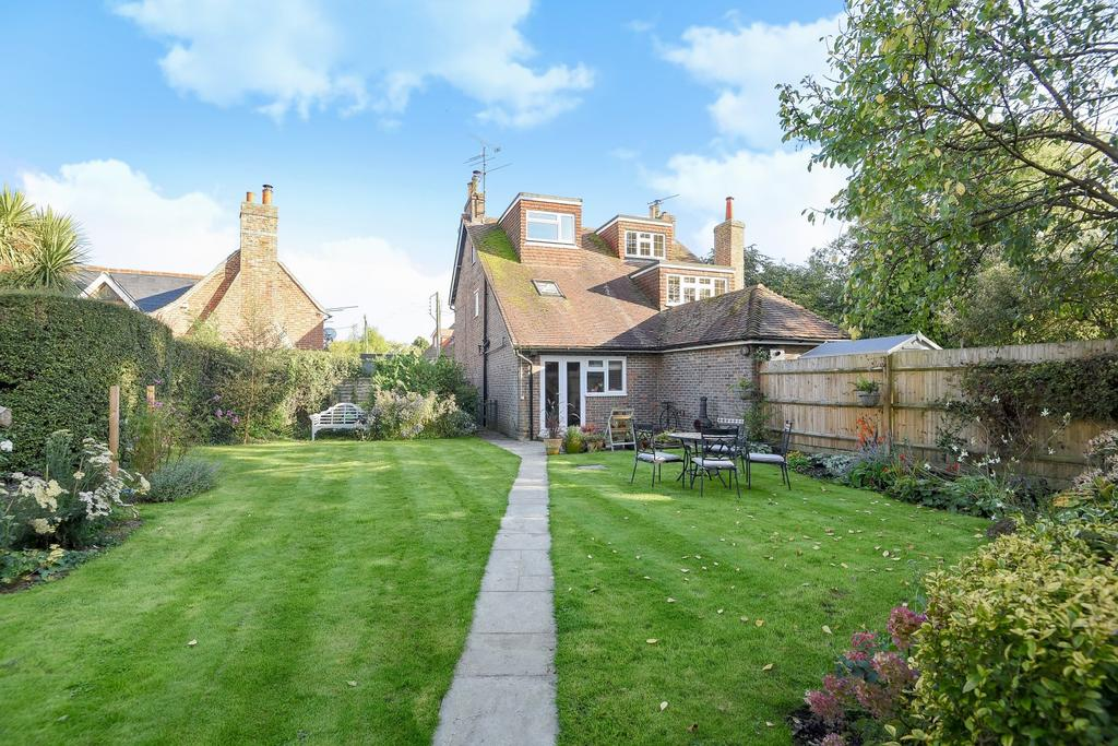 2 Bedrooms Semi Detached House for sale in Rock Cottages, Cuckfield Road, Ansty, RH17