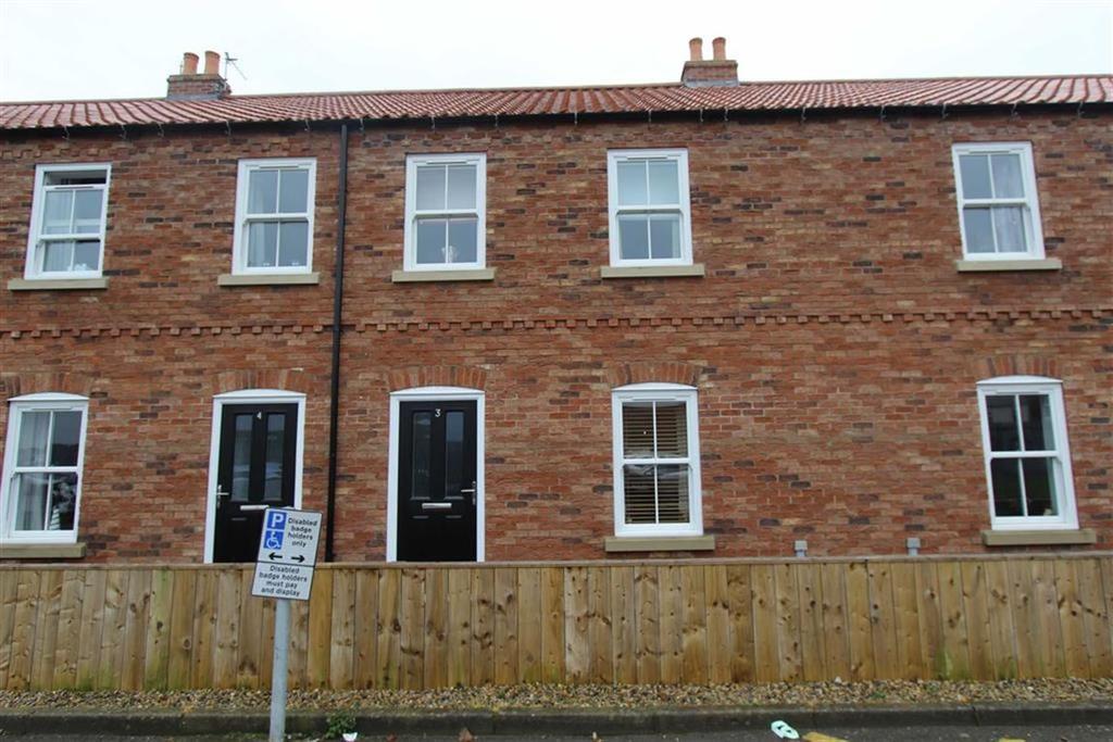 3 Bedrooms Terraced House for sale in Railway Walk, Bridlington, YO16