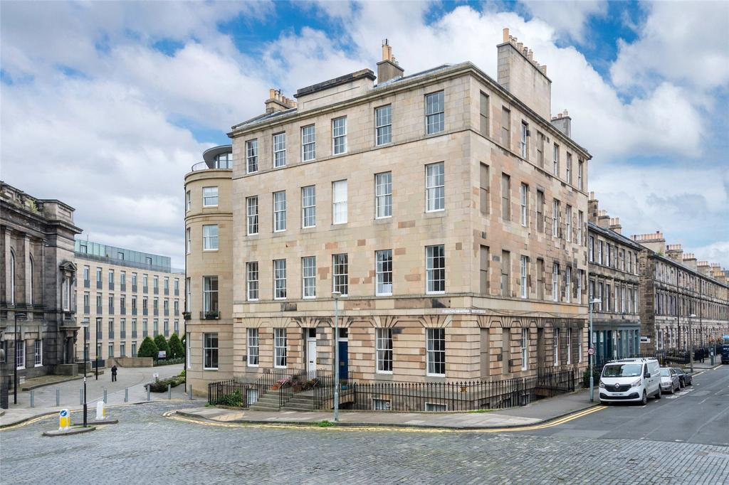 4 Bedrooms Apartment Flat for sale in Cumberland Street N.W. Lane, Edinburgh, Midlothian