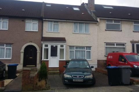 House share to rent - Selsdon Road, Neasden, NW2