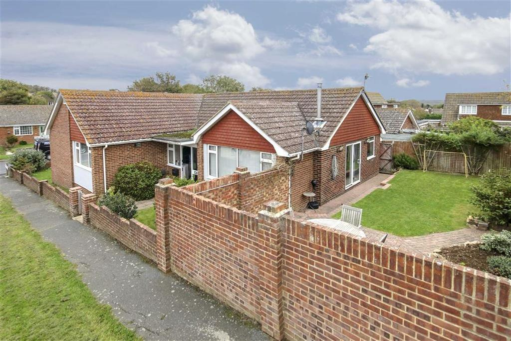 5 Bedrooms Detached Bungalow for sale in Hoddern Avenue, PEACEHAVEN