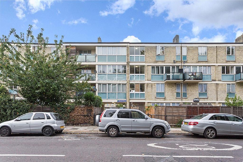 3 Bedrooms Flat for sale in Paymal House, E1