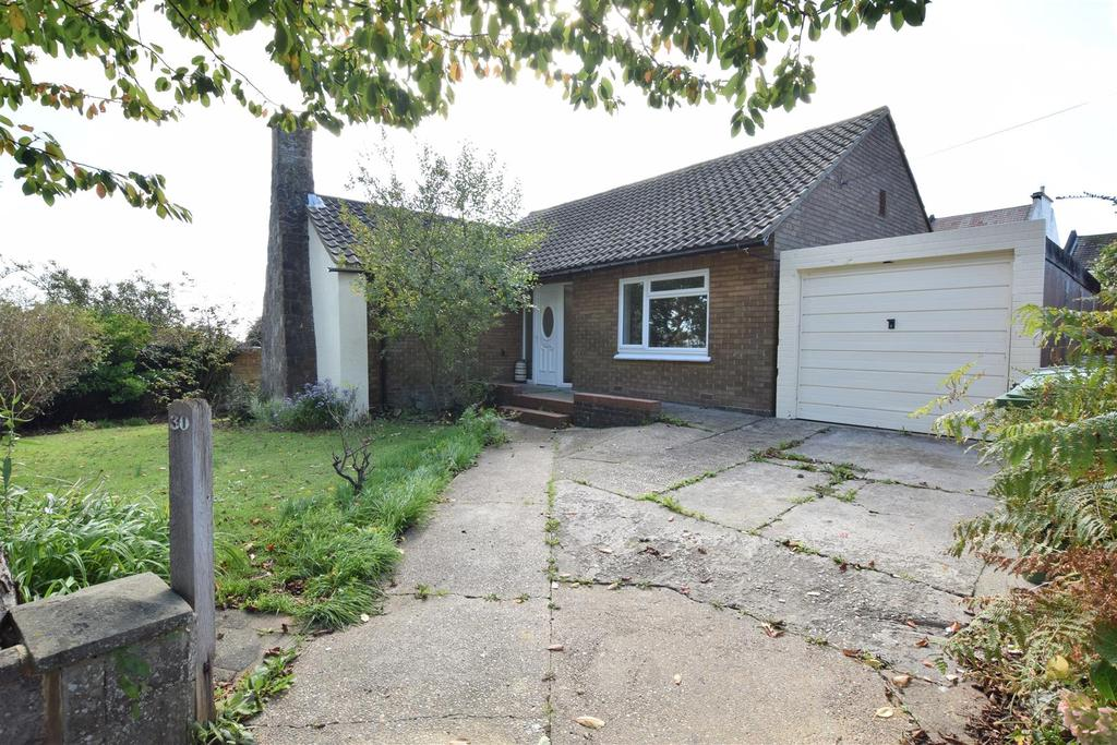 2 Bedrooms Detached Bungalow for sale in Priory Close, Hastings