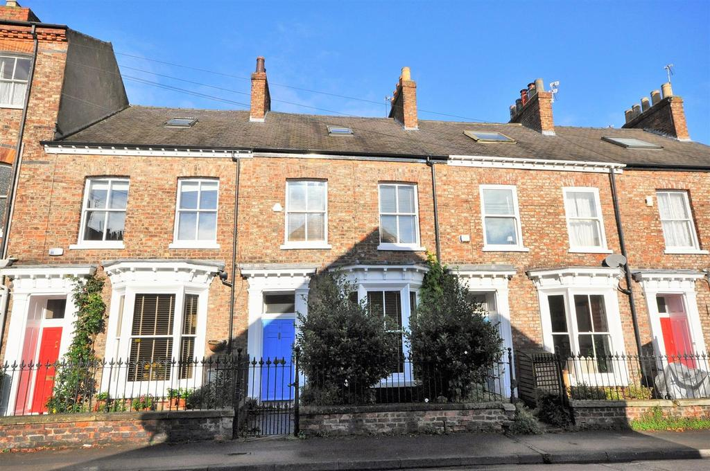 4 Bedrooms Terraced House for sale in St. Johns Street, York, YO31 7QT