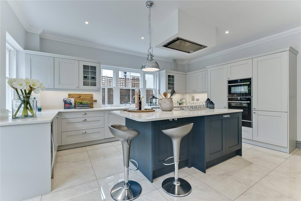 5 Bedrooms Semi Detached House for sale in Kings Drive, Thames Ditton, Surrey, KT7