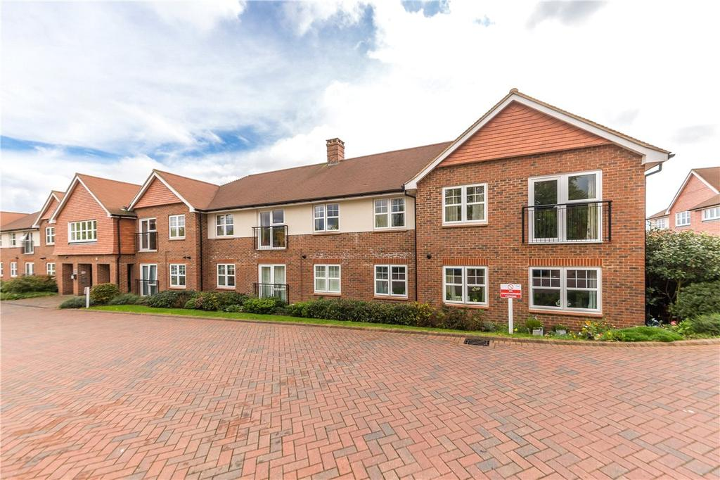 2 Bedrooms Flat for sale in Yeats House, 2 Wordsworth Close, St. Albans, Hertfordshire