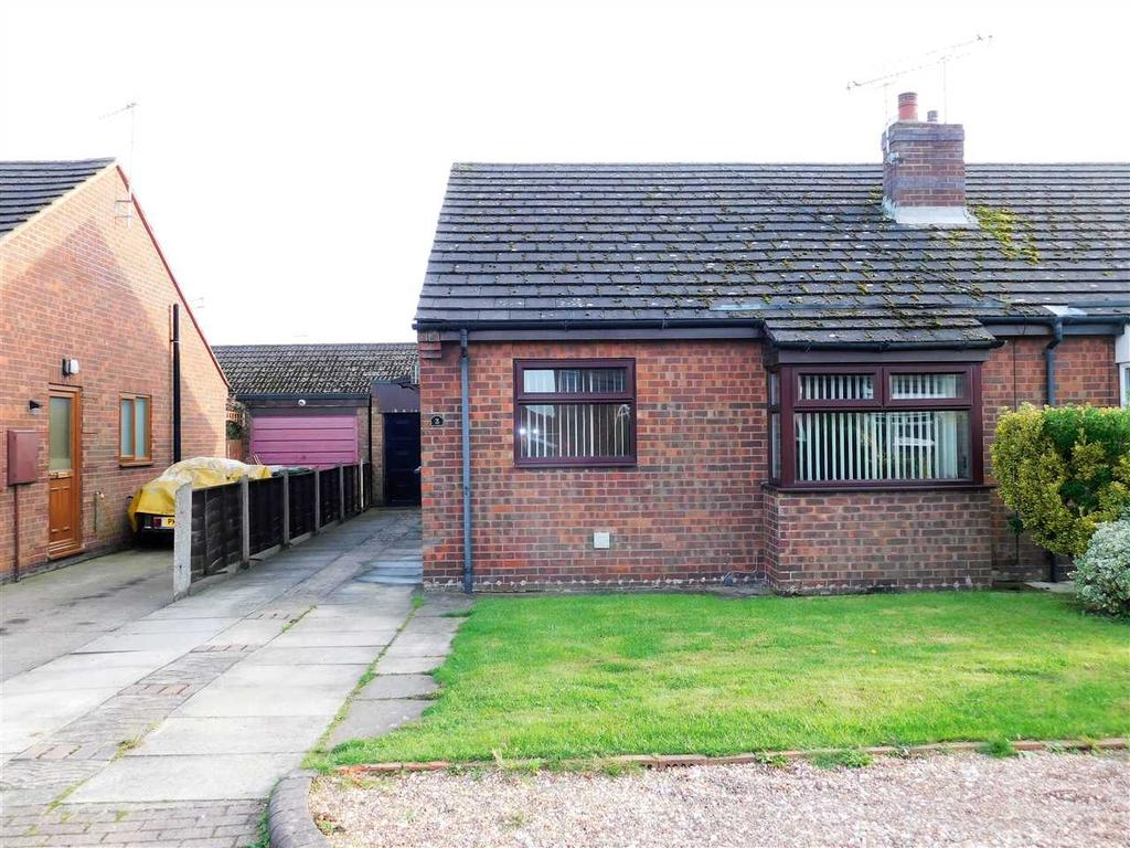 2 Bedrooms Bungalow for sale in HALL VIEW, MESSINGHAM, SCUNTHORPE