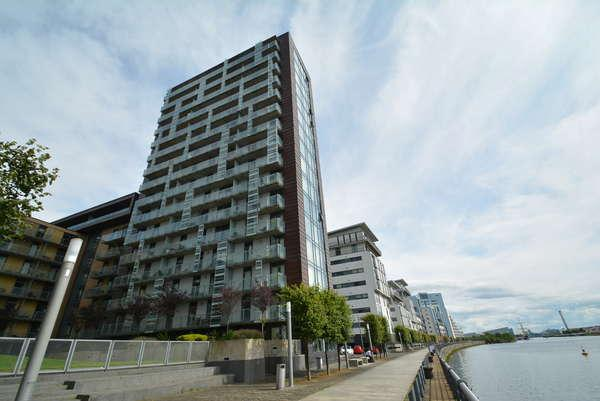 2 Bedrooms Flat for sale in 5/1, 16 Castlebank Place, Glasgow, G11 6BX