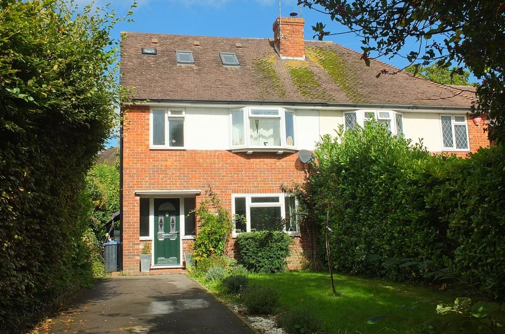 4 Bedrooms House for sale in College Road, Haywards Heath, RH16