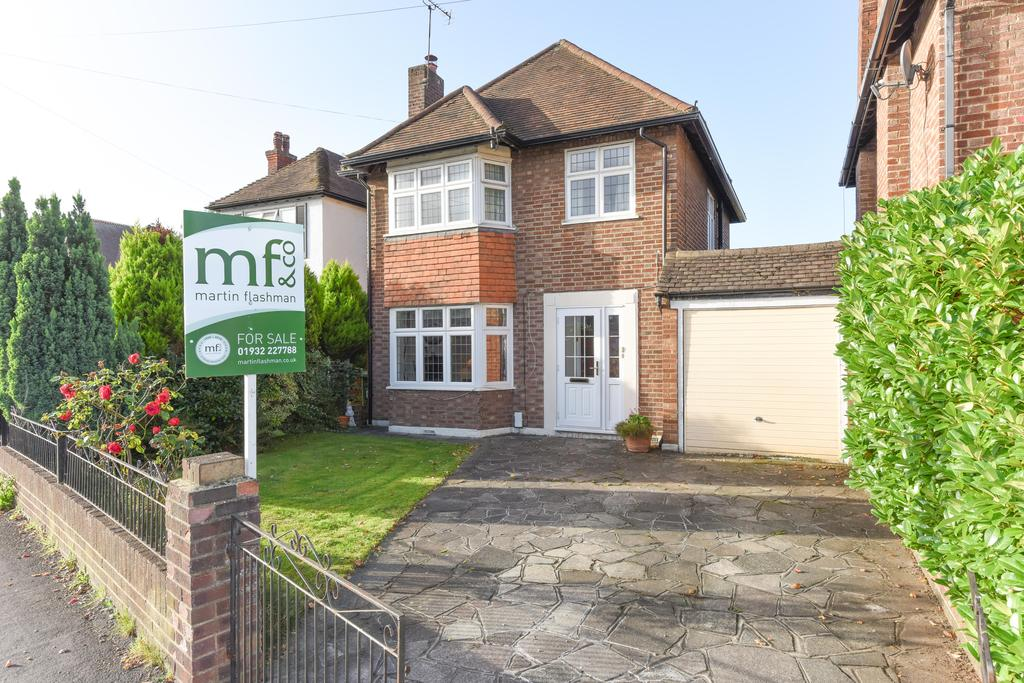 3 Bedrooms Detached House for sale in Sidney Road, WALTON ON THAMES KT12