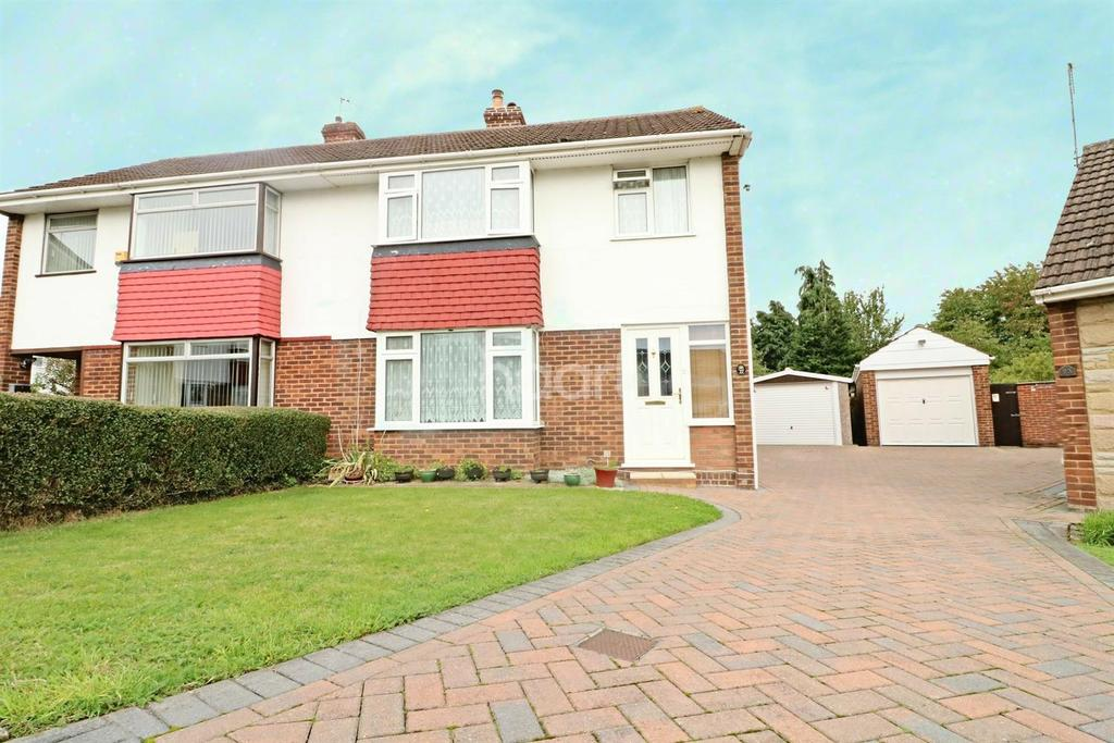 3 Bedrooms Semi Detached House for sale in Pearce Road, Maidenhead