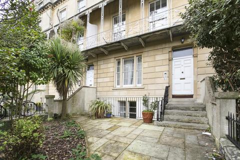 2 bedroom flat to rent - South Parade Mansions, Clifton