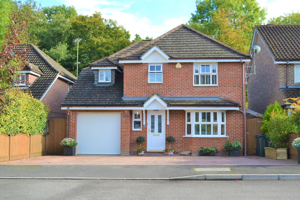 4 Bedrooms Detached House for sale in Colonel Stephens Way, Tenterden TN30