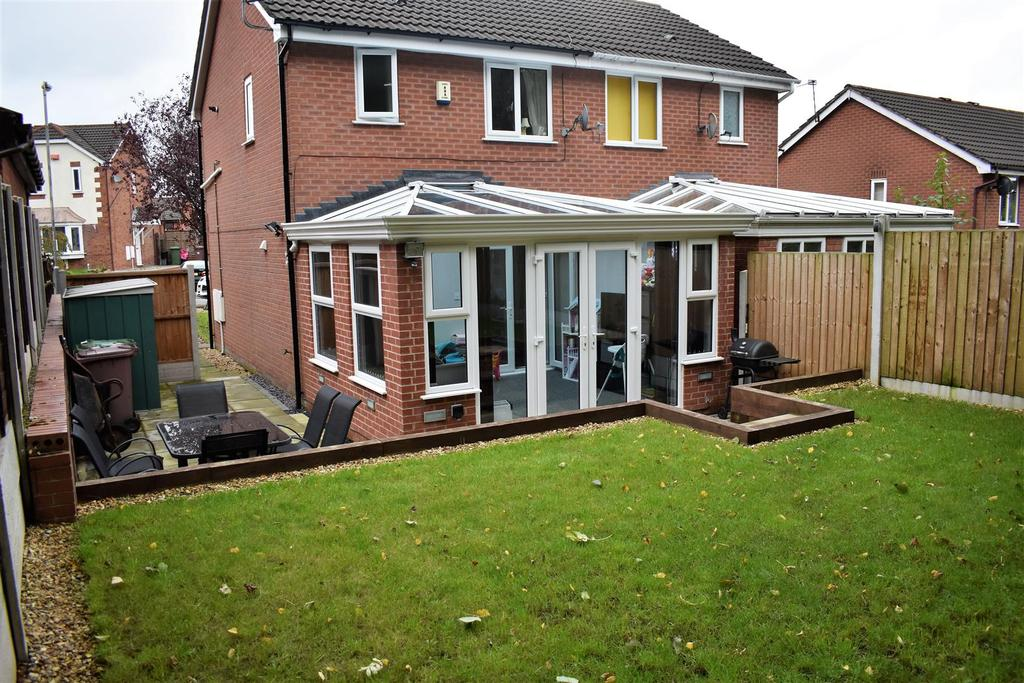 2 Bedrooms Semi Detached House for sale in The Shires, St. Helens
