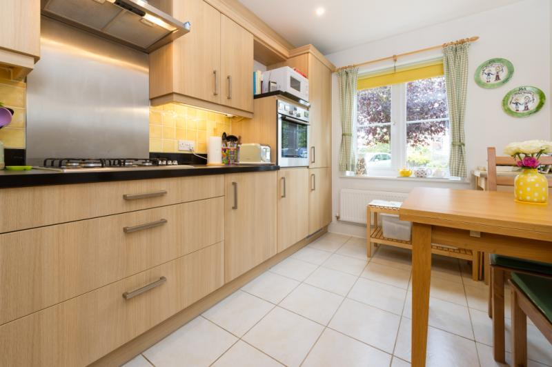 3 Bedrooms Terraced House for sale in Rylands, Old Marston, Oxford, Oxfordshire