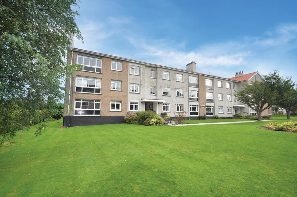 3 Bedrooms Flat for sale in 10 Kennedy Court, Braidholm Crescent, Giffnock, G46 6HQ