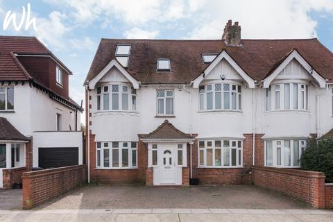 5 bedroom semi-detached house to rent - Orchard Gardens, Hove BN3