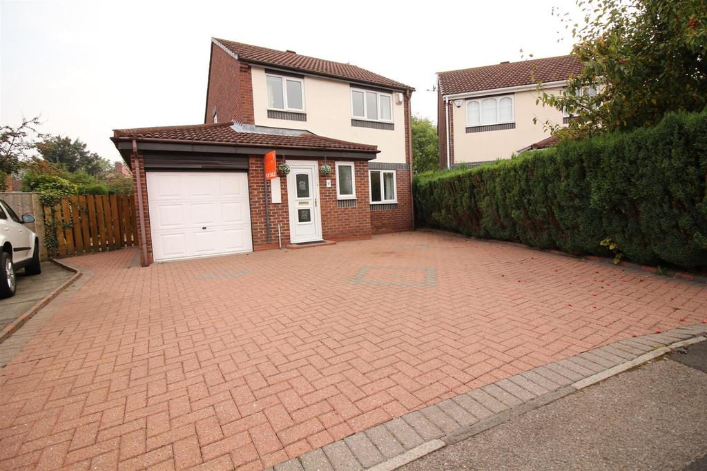 3 Bedrooms Detached House for sale in Peldon Close, Longbenton, Newcastle Upon Tyne