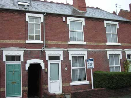 2 Bedrooms Terraced House for sale in AMBLECOTE - Platts Crescent