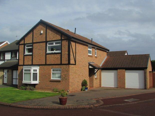 4 Bedrooms Detached House for sale in BRIMSTON CLOSE, NAISBERRY PARK, HARTLEPOOL