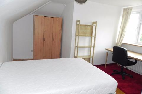 1 bedroom semi-detached house to rent - Fairlands Road, GU3 3JB
