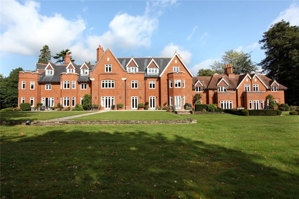 3 Bedrooms Penthouse Flat for sale in North Court, The Ridges, Wokingham, Berkshire, RG40