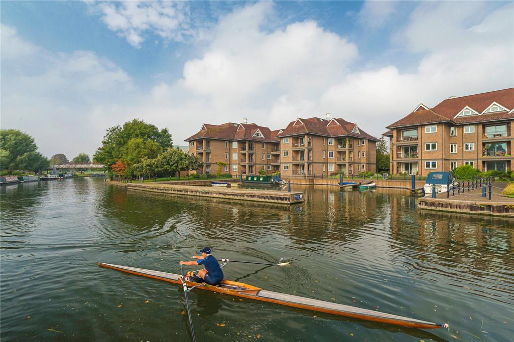 3 Bedrooms Flat for sale in The Eights Marina, Mariners Way, Cambridge, CB4