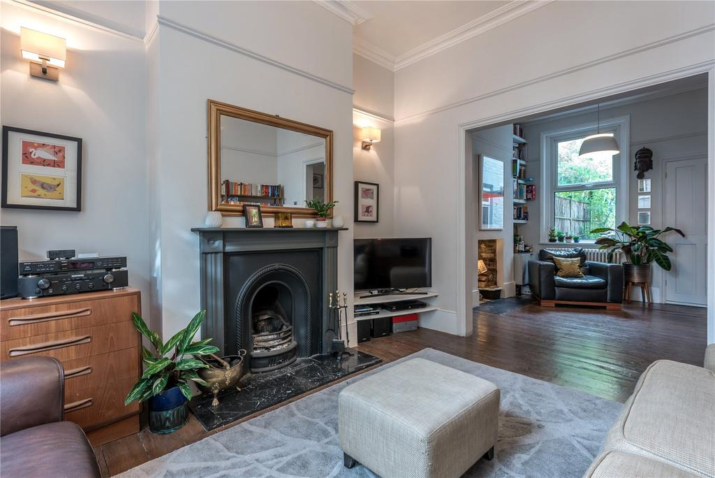 4 Bedrooms Terraced House for sale in Tudor Road, London Fields, Victoria Park, London, E9