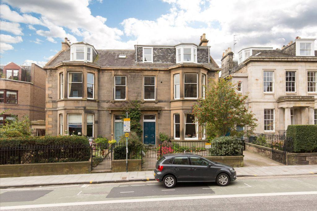 2 Bedrooms Flat for sale in 51/2 Inverleith Row, Inverleith, Edinburgh, EH3 5PX