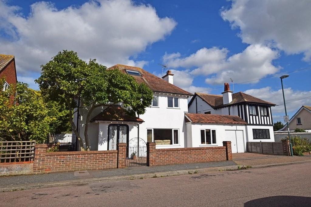 4 Bedrooms Detached House for sale in Nelson Road, Bognor Regis, PO21