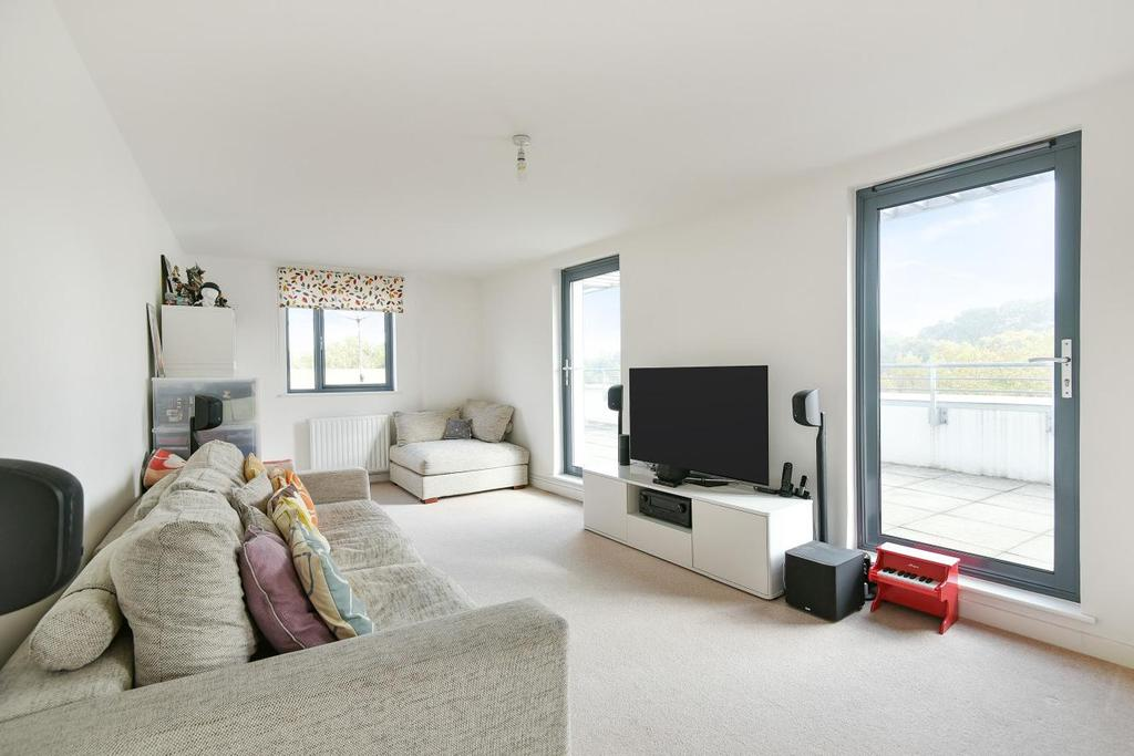 3 Bedrooms Penthouse Flat for sale in Elder Road, West Norwood