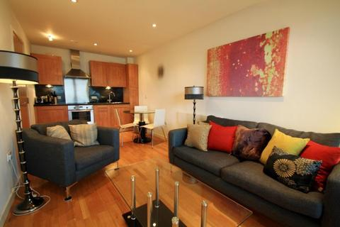 2 bedroom apartment to rent - THE GATEWAY NORTH, CROWN POINT ROAD, LEEDS, LS9 8BX