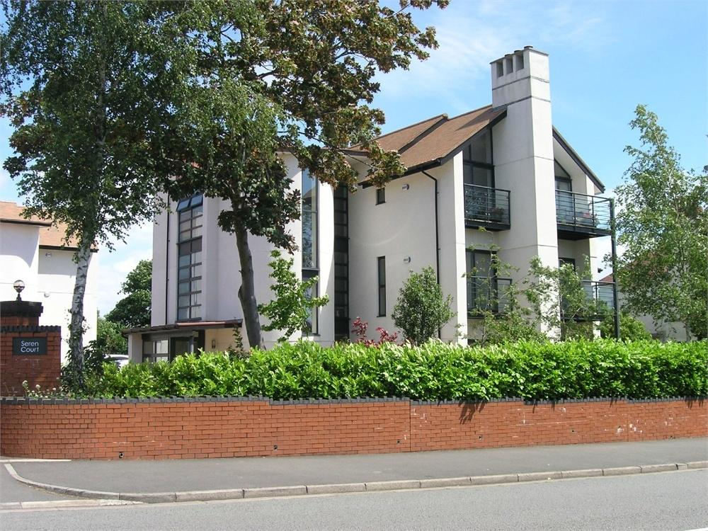 2 Bedrooms Flat for sale in Cyncoed Road, Cyncoed, Cardiff