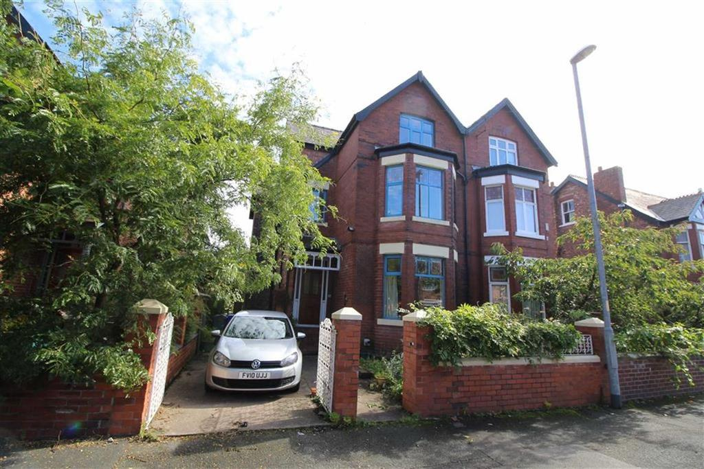 5 Bedrooms Semi Detached House for sale in Hartington Road, Chorlton