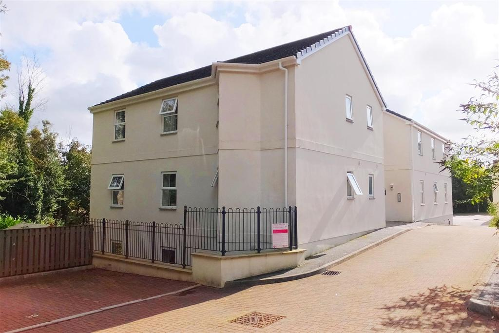 3 Bedrooms Flat for sale in Newbridge View, Truro
