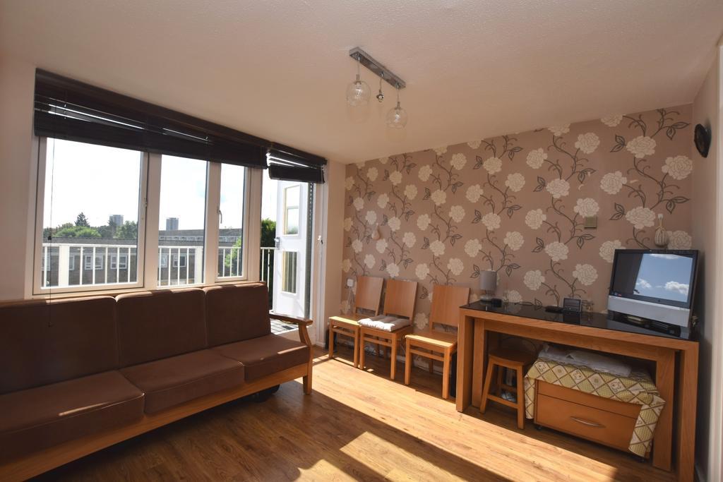 1 Bedroom Flat for sale in Amina Way Bermondsey SE16