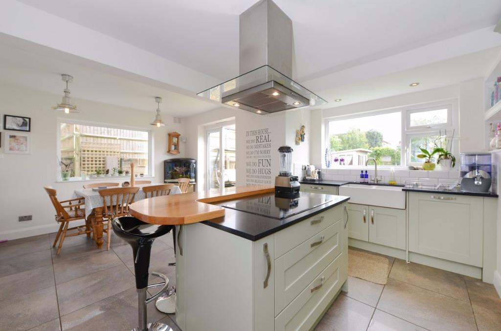 4 Bedrooms Detached House for sale in Park Close Portslade East Sussex BN41