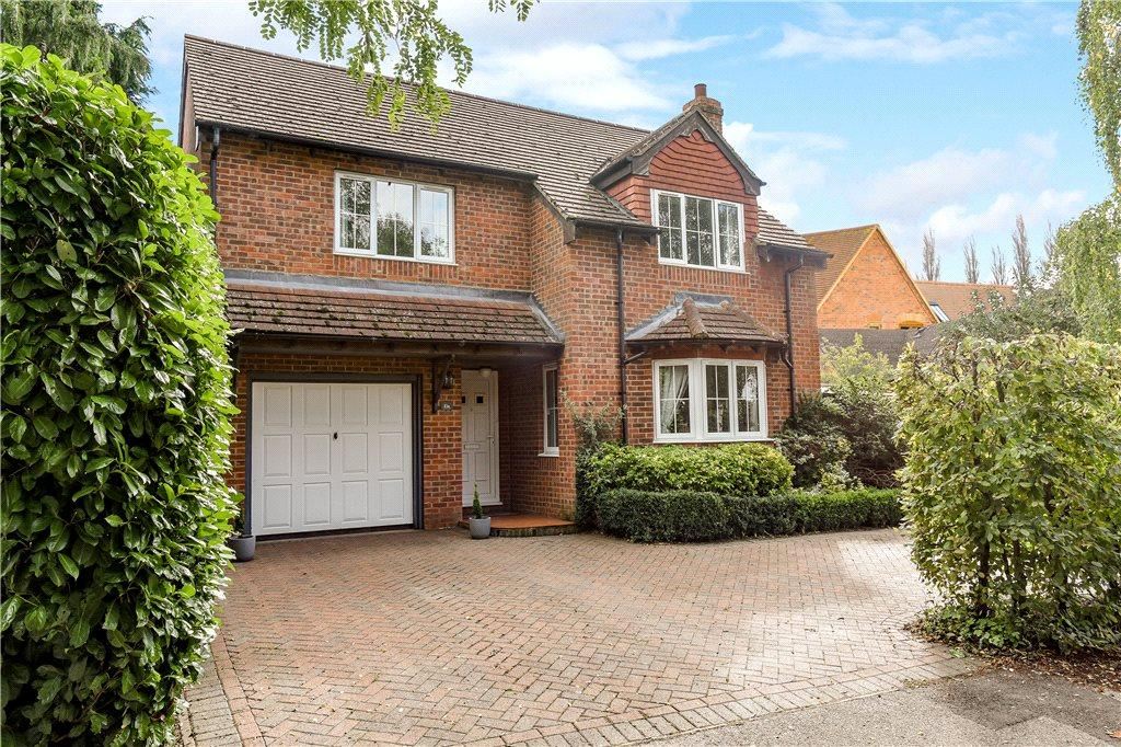 4 Bedrooms Detached House for sale in The Pightle, Main Street, Maids Moreton, Buckinghamshire