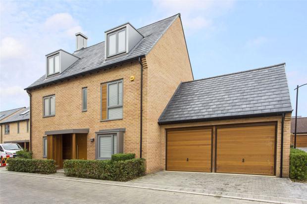 5 Bedrooms Detached House for sale in Huntsman Road, Trumpington, Cambridge, Cambridgeshire