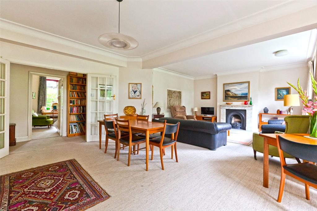 3 Bedrooms Flat for sale in Wood Lane, London, N6