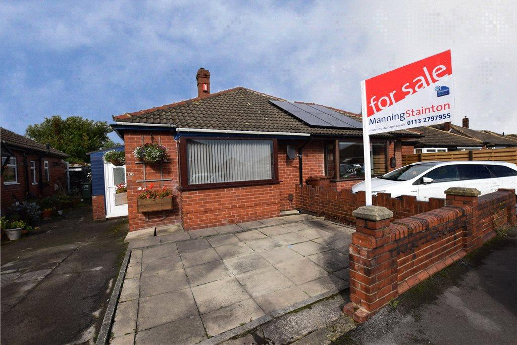 1 Bedroom Semi Detached Bungalow for sale in Leysholme Crescent, Leeds, West Yorkshire