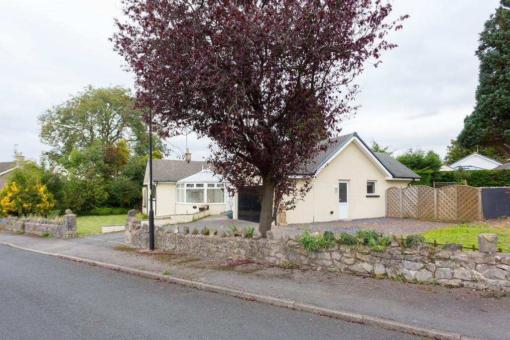 4 Bedrooms Detached Bungalow for sale in 14 Levens Way, Silverdale, Carnforth LA5 0TG