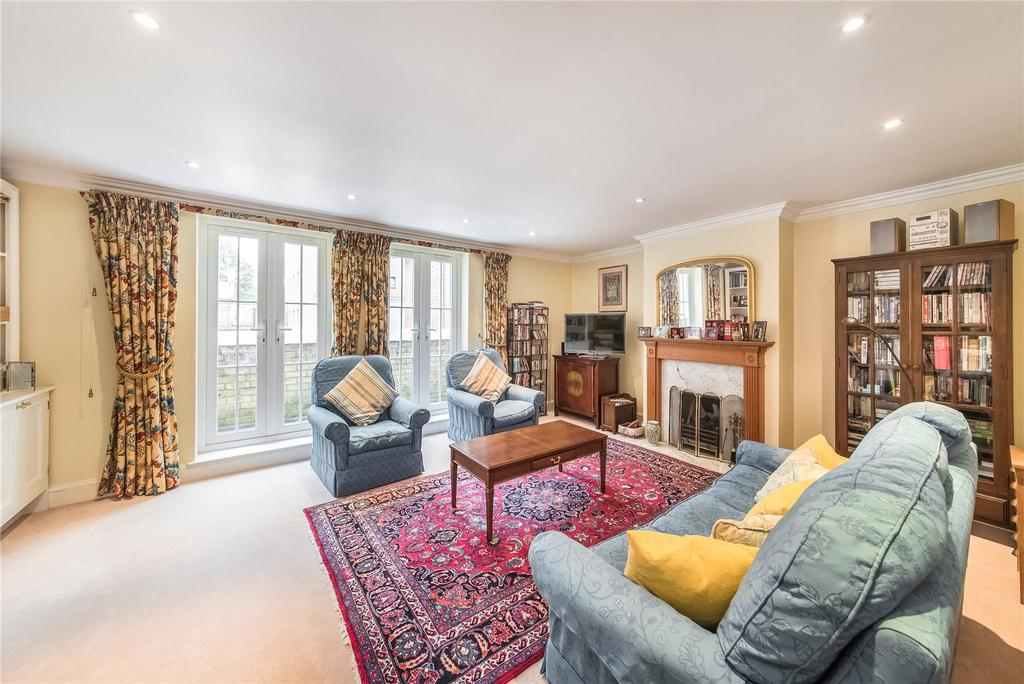 4 Bedrooms House for sale in College Place, Hortensia Road, London
