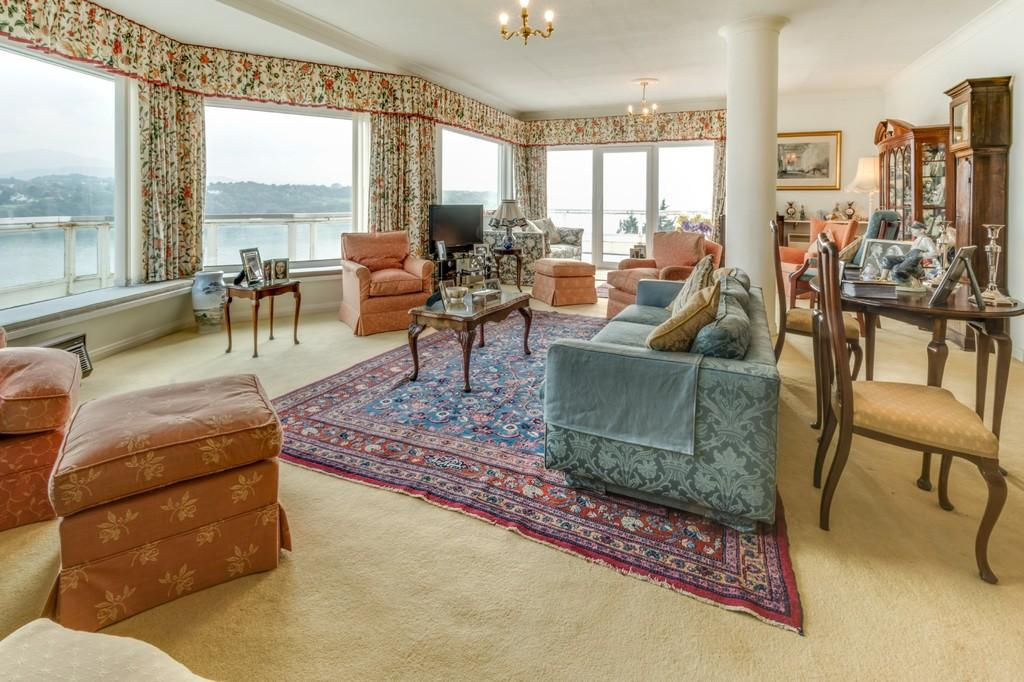 3 Bedrooms Penthouse Flat for sale in Glyn Garth Court, Menai Bridge, North Wales