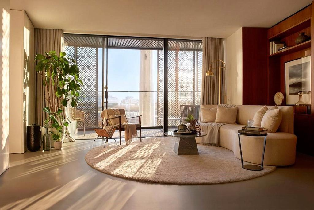 2 Bedrooms Penthouse Flat for sale in Lewis Cubitt, London, N1C