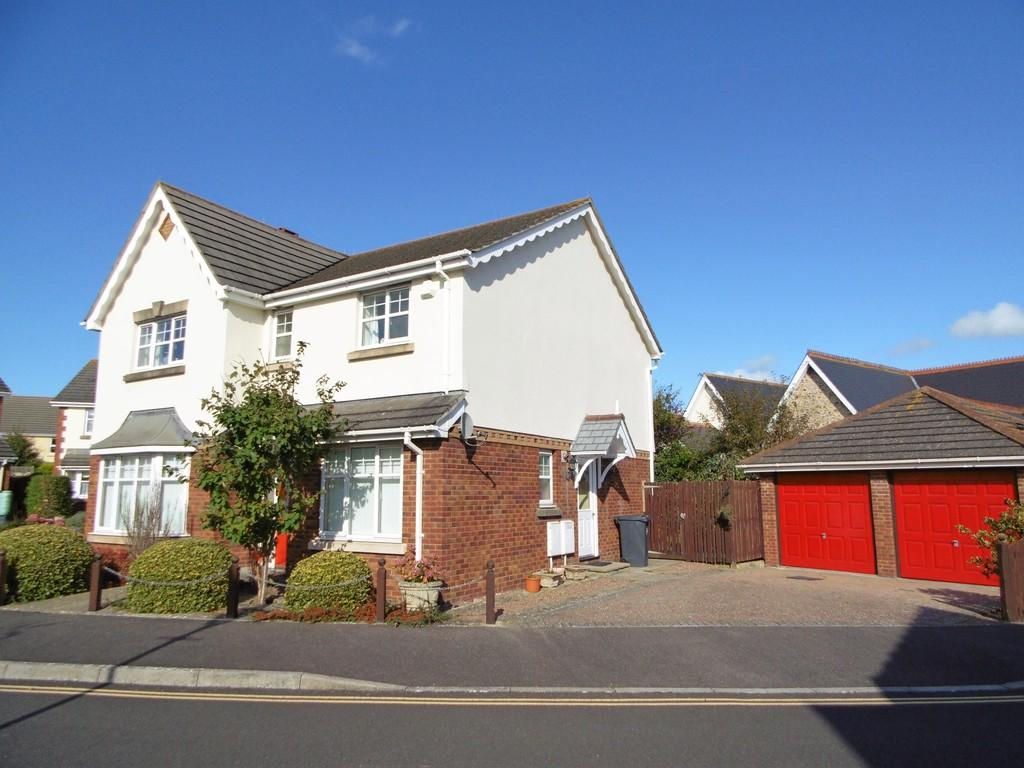 4 Bedrooms Detached House for sale in St Clares Close, Seaton