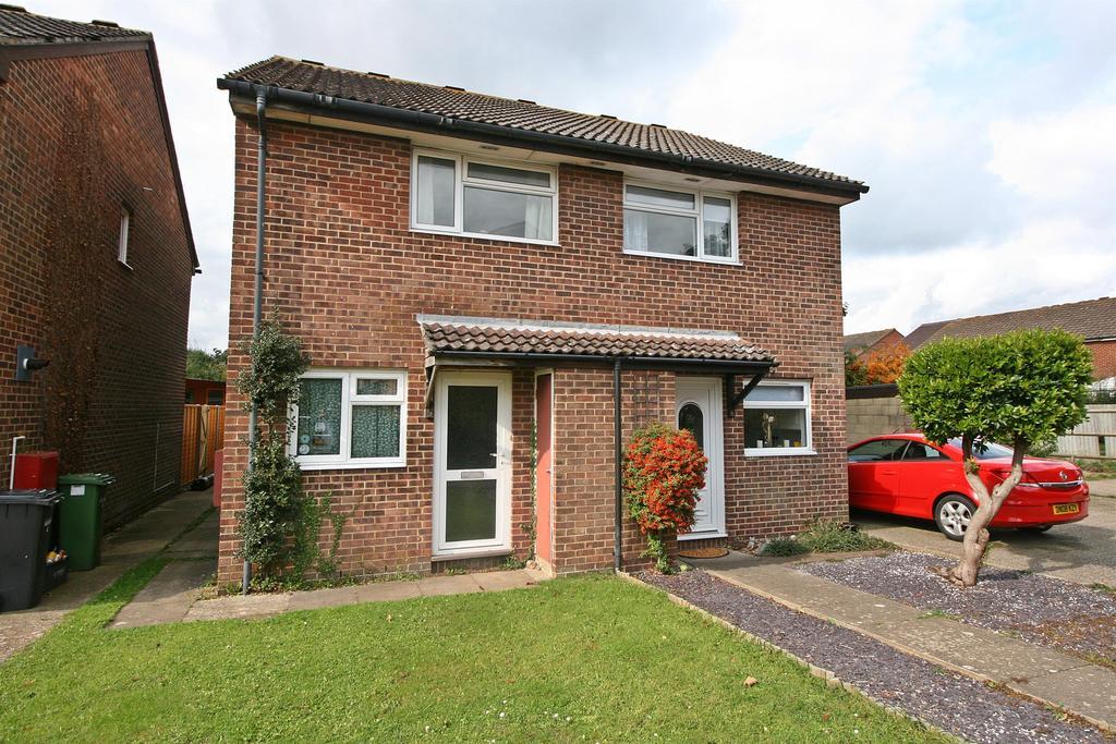 2 Bedrooms Semi Detached House for sale in Kingston, Netley Abbey, Southampton, SO31 5GT