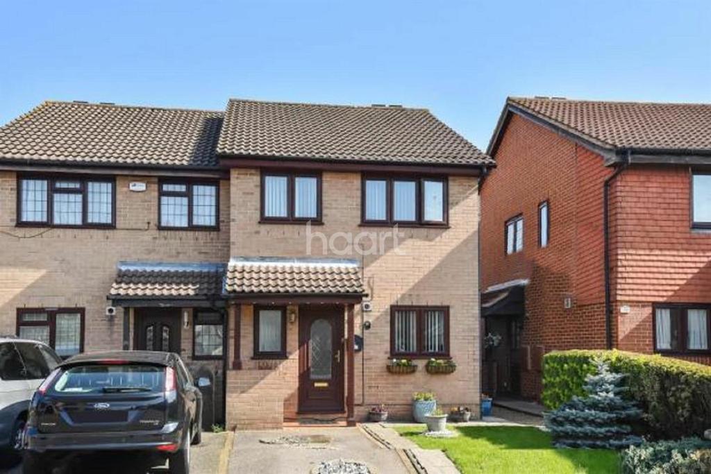 3 Bedrooms Semi Detached House for sale in Watlings Close, Croydon, CR0