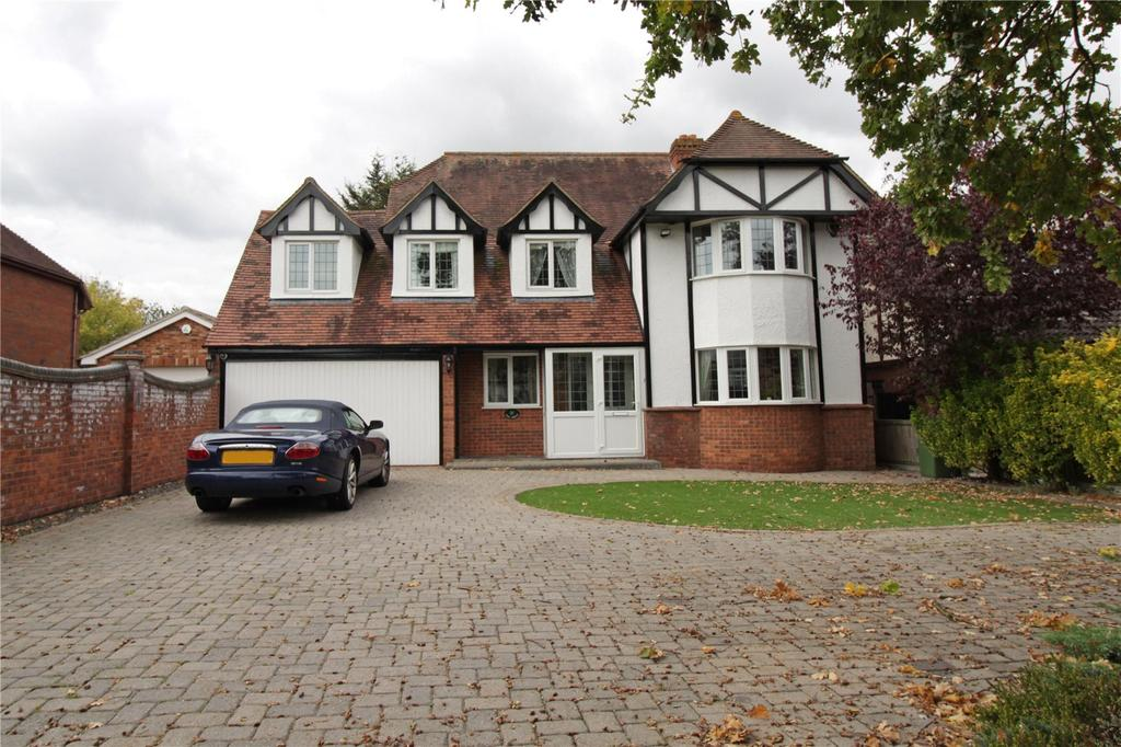 5 Bedrooms Detached House for sale in Pound Lane, Laindon, Essex, SS15